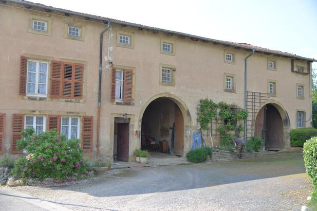 Bult Village